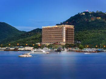 GRAND METRO PARK BAY HOTEL 5*