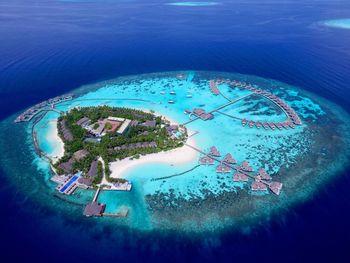 CENTARA GRAND ISLAND RESORT & SPA MALDIVES 5*