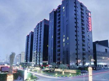 RAMADA HOTEL & SUITES 4 *