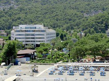 CATAMARAN RESORT HOTEL 5*