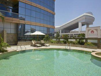 DOUBLETREE BY HILTON HOTEL & RESIDENCE DUBAI - AL BARSHA 5*