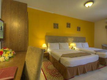 HYDE PARK HOTEL 2*
