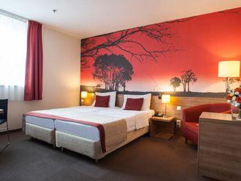 EXPO CONGRESS HOTEL 4*
